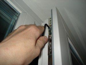 как лучше ремонтировать самому или найти фирму по ремонту пвх окон в Сургуте